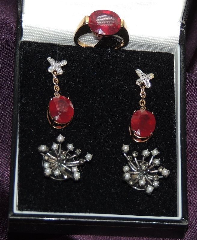 Ruby ring and earrings, pearl earrings